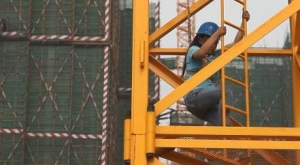 塔吊女孩:震后十年,给自己建一个家
